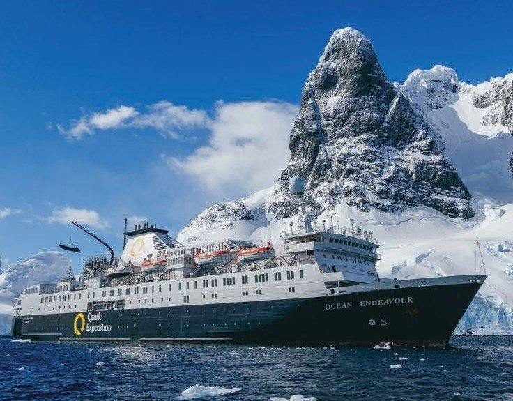Visiting Antartica: a 12 Day Itinerary featured by top US family travel blogger, Momma Wanderlust