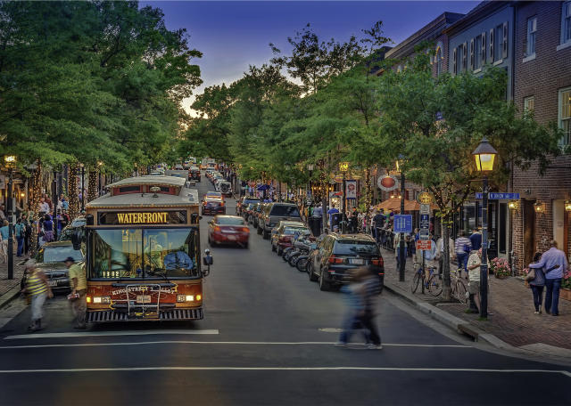 Summer Travel 2021: best family vacation destinations featured by top US BIPOC travel blogger, Momma Wanderlust - Alexandria VA