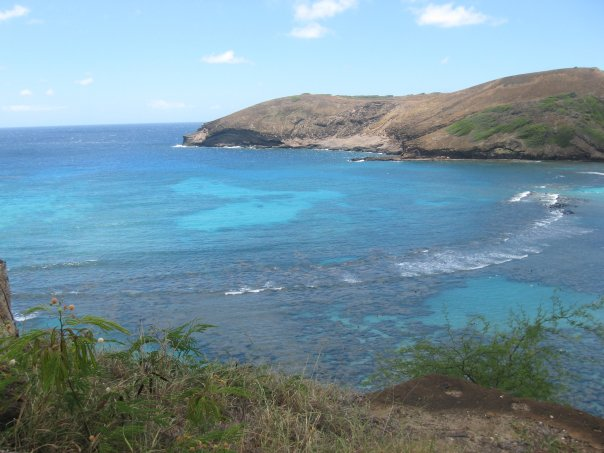 Summer Travel 2021: best family vacation destinations featured by top US BIPOC travel blogger, Momma Wanderlust - Oahu HI